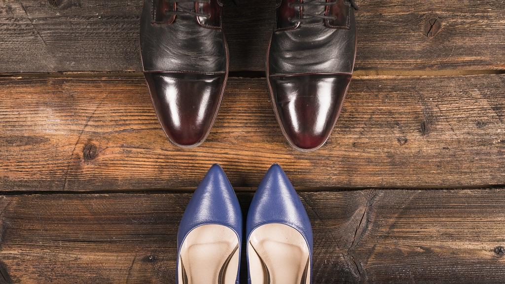 zapatos en una mudanza